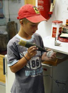 Kinderferienprogramm 26.7.2003 Fossilien präparieren